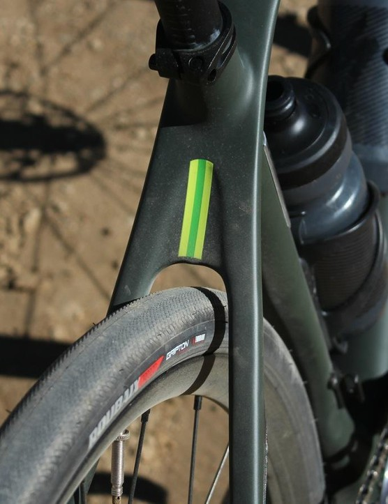The Diverge comes with 32mm tyres, with clearance for up to 34mm. We'd like to see something with a bit more bite