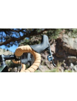 The Expert bars have a short 75mm reach, and the SRAM Force hoods transition comfortably to the bar tops