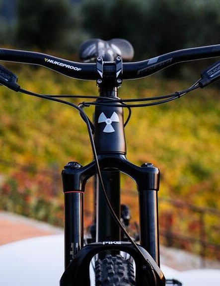 A relatively short head tube on the Mega 290 helps when it comes to getting the bars at the right height