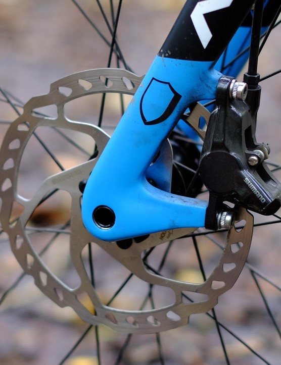The Shimano hydraulic discs performed brilliantly throughout testing, and Norco's choice to run a 160mm mountain bike rotor is a smart one