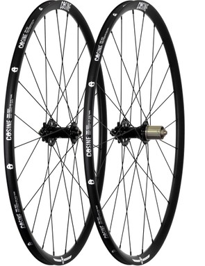 The Cosine alloy wheelset with 23mm rims comes disc-ready and is the only disc-brake compatible wheelset in the range