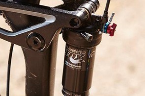 A single remote lever lets you switch fork and shock modes simultaneously