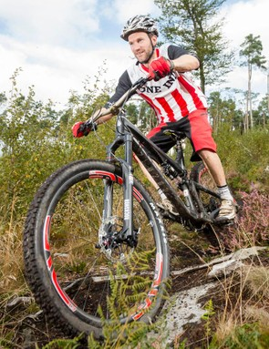 The 160mm-travel RockShox Pike up front offers a supple early stroke, a nicely progressive spring rate, and excellent chassis stiffness