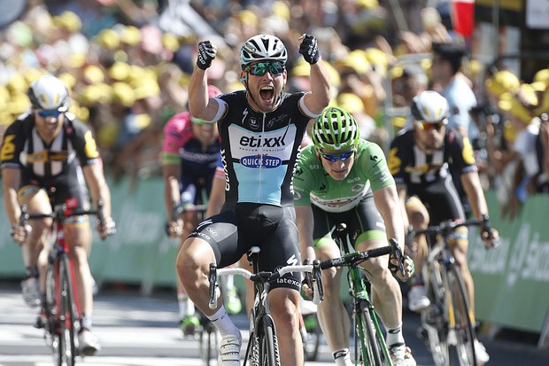 Cavendish celebrates winning stage 7 of the 2015 Tour de France