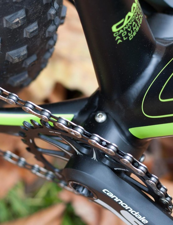 Thanks to a unique XL version of its BB30 bottom bracket and custom offset chainrings on its own-brand Si crankset, this bike boasts the lowest Q-factor values on the market say Cannondale