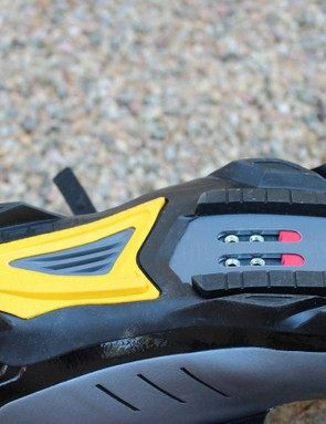 The parallel rubber blocks on either side of the cleat are designed for contact and thus stability on the pedal