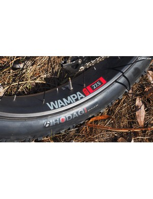 The Trek Farley comes with Bontrager Wampa carbon fibre rims and 27.5x3.8in Hodag tyres but the frame will accept 26x5in tyres for the ultimate in flotation on soft surfaces