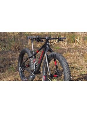 Trek prioritised low weight on the Farley 9.8 with its carbon finishing kit and rigid fork. The front end will accept a RockShox Bluto, however, and the frame is set up for an internally routed dropper post
