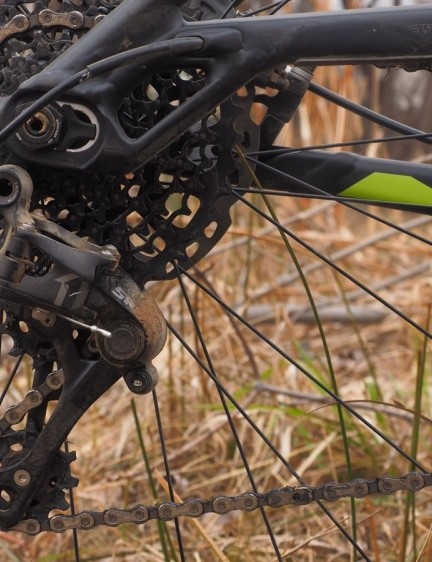 The SRAM X1 drivetrain offers the same functionality as the top-end XX1 transmission but at a much more attainable price