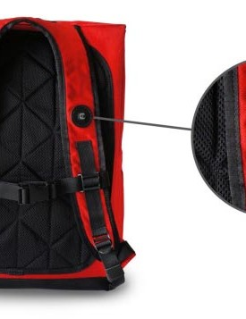 A switch on the shoulder strap allows you to remotely operate the light while wearing the bag