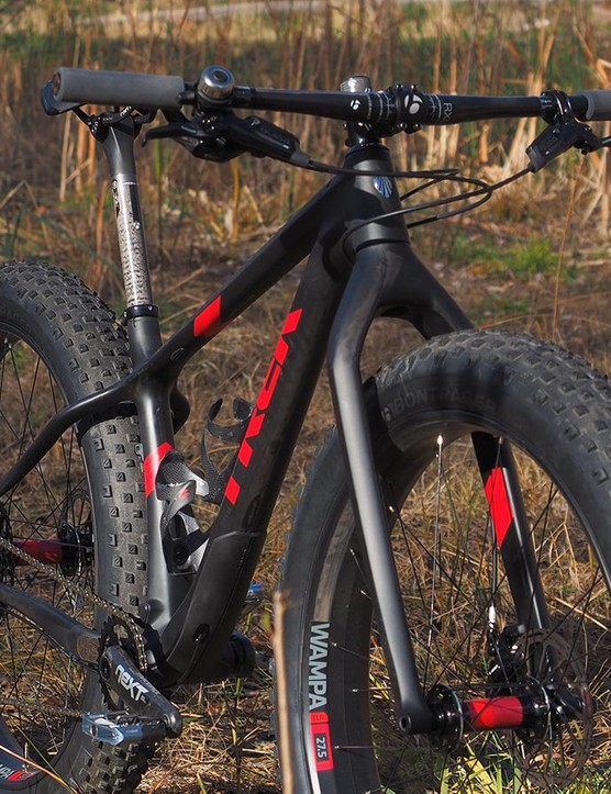 Low weight is clearly a priority on the new carbon fiber Trek Farley 9.8 with its rigid carbon fiber fork and fixed carbon fiber seatpost