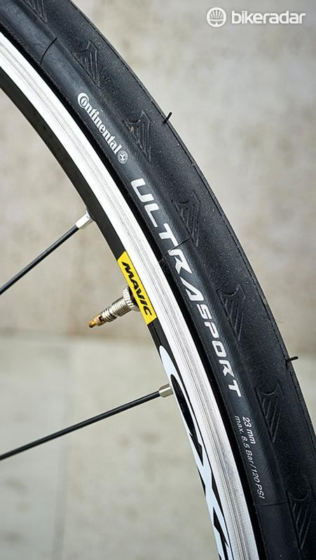 The Conti Ultra Sport tyres offer good all-weather grip