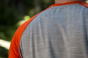 Built for mountain biking, the Raglan T features 3/4 length sleeves and offers a Merino mesh backing for improved breathability
