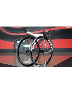 Zipp recently launched disc-specific versions of its venerable 303 carbon clincher wheels