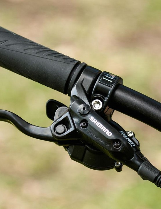 The Shimano hydraulic disc brake levers offer plenty of lever reach adjustment to accommodate different sized hands