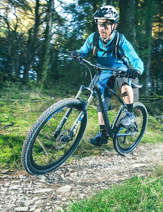 Out on the trail, the Incline Alpha offers an impressively smooth and flowing ride