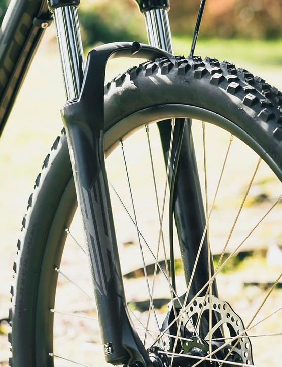 The SR Suntour XCT fork provided a rather jolting ride, though did at least behave consistently in testing