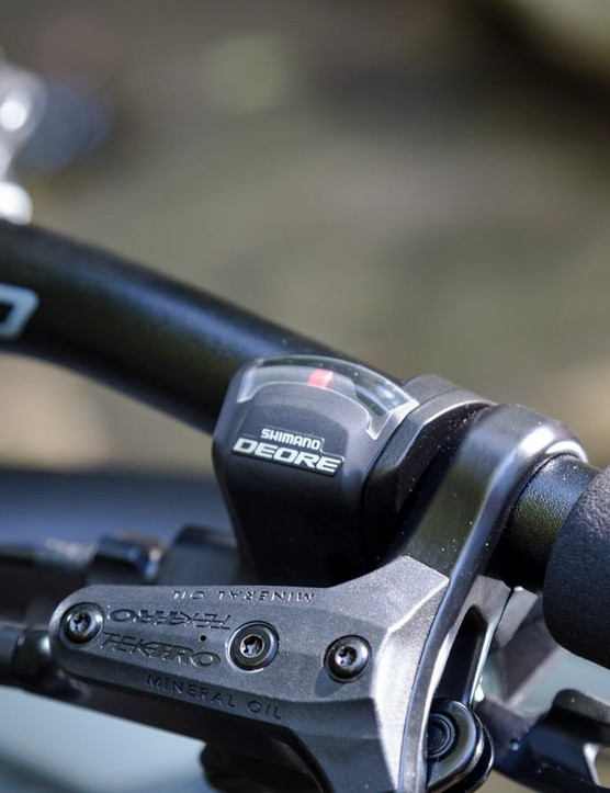 Deore 10-speed shifters retain basic gear indicators