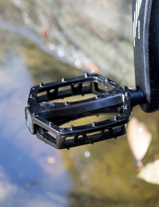 The Ares comes with resin flats that do the job, though we swapped them for some Shimano XT clipless pedals