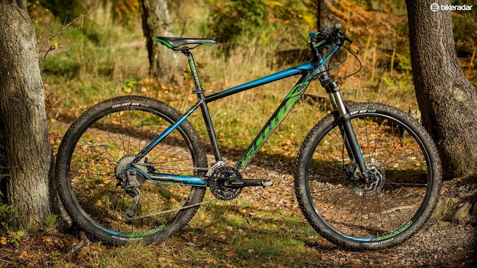 Scott's Aspect 720 is a punchy enough companion, though it's hefty and not especially well kitted