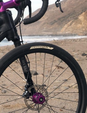 Cannondale says the 42mm-wide 650b tires on the Slate have virtually the same circumference as a 700x23c setup but with far more air volume and greatly improved traction. The familiar diameter also made it easier to design the Slate frame with compact dimensions that mimic that of a full-blown race bike