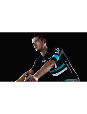 Wout Poels shows off Team Sky's 2016 colours