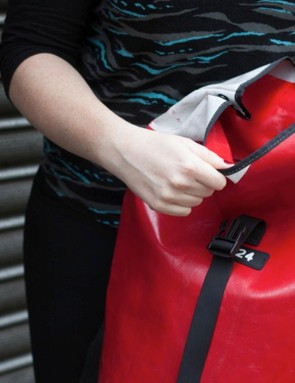 Two poppers help close the Jerrycan's rolltop, for extra security