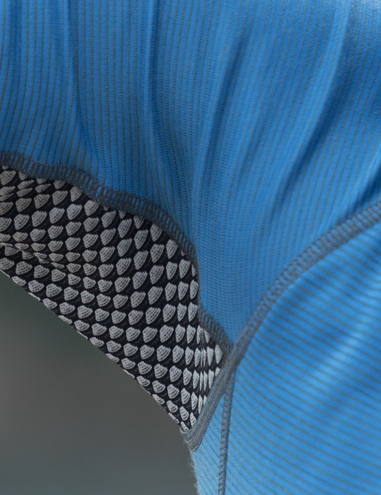 Mesh panels sits beneath the arm pits and down the back. They certainly stand out though