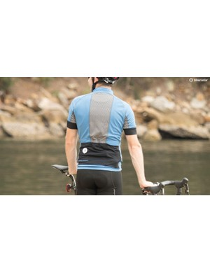 There are some nice style features to the Lucienne jersey