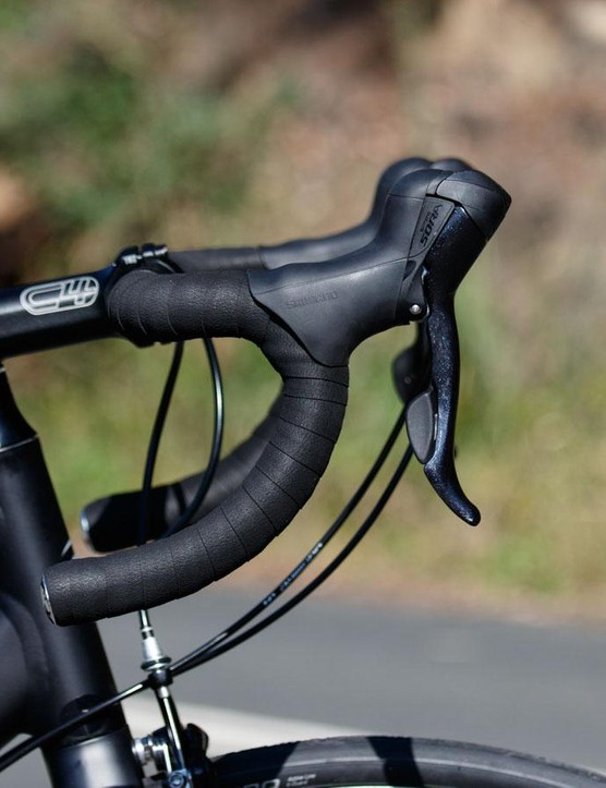 A look at the compact handlebar shape on the Cannondale