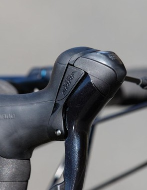 Shimano Sora shifters offer basic gear indicators on top, although no numbers are given