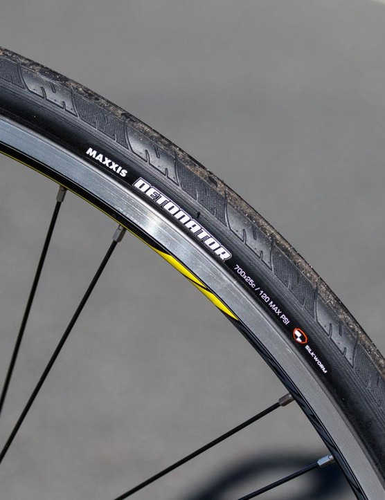 These Maxxis tyres do well to shield away punctures, and keep the wheels on the ground