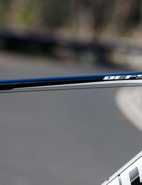 Taking alloy manipulation to another level, the Defy offers a top tube that's probably four times wider than it is thick