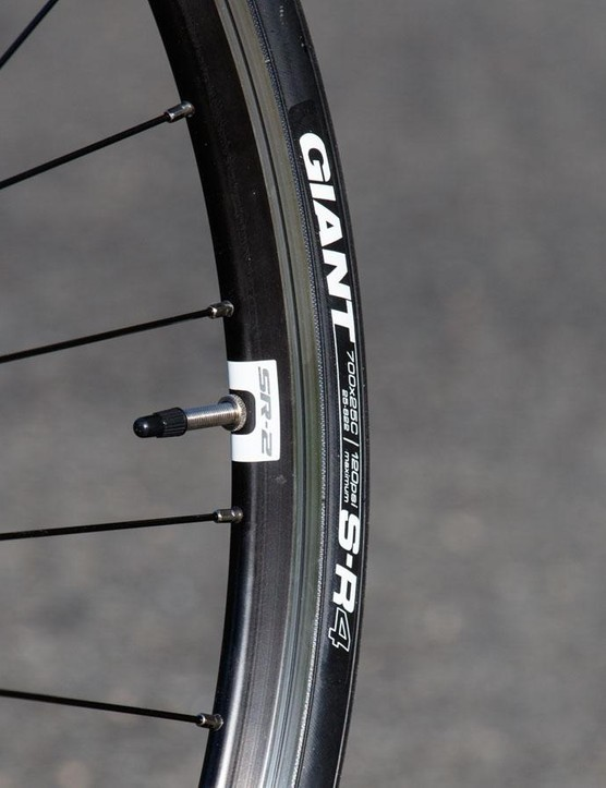 Giant supplies its own tyres and wheels. The tyres offer decent grip, although we wish the rims were slightly wider