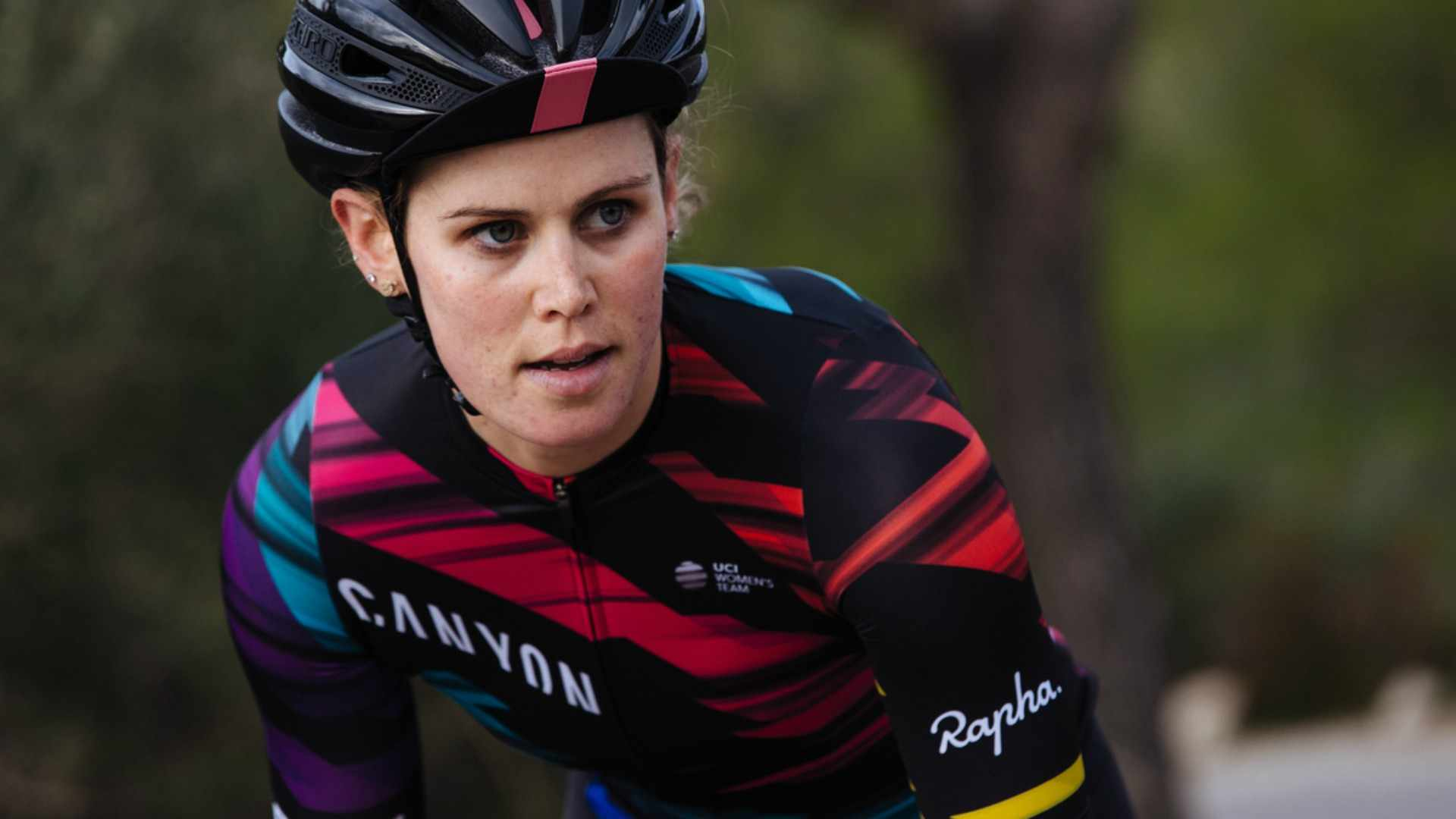 Tiffany Cromwell in the new Canyon-SRAM team kit, designed by Rapha