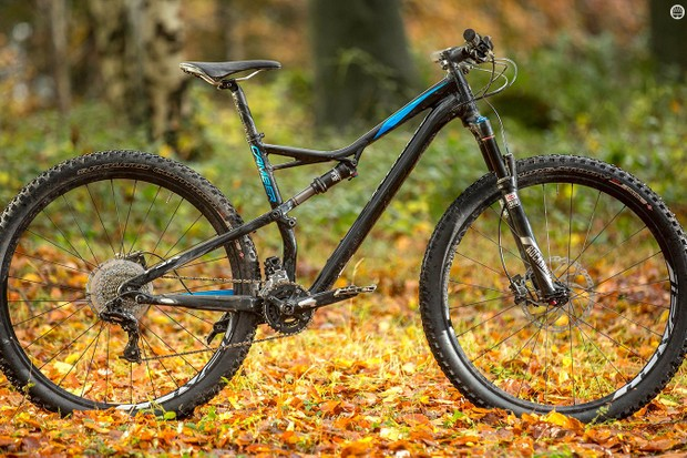 Specialized's Camber Comp 29 is easygoing rather than hard-charging, but it's not without a sense of fun
