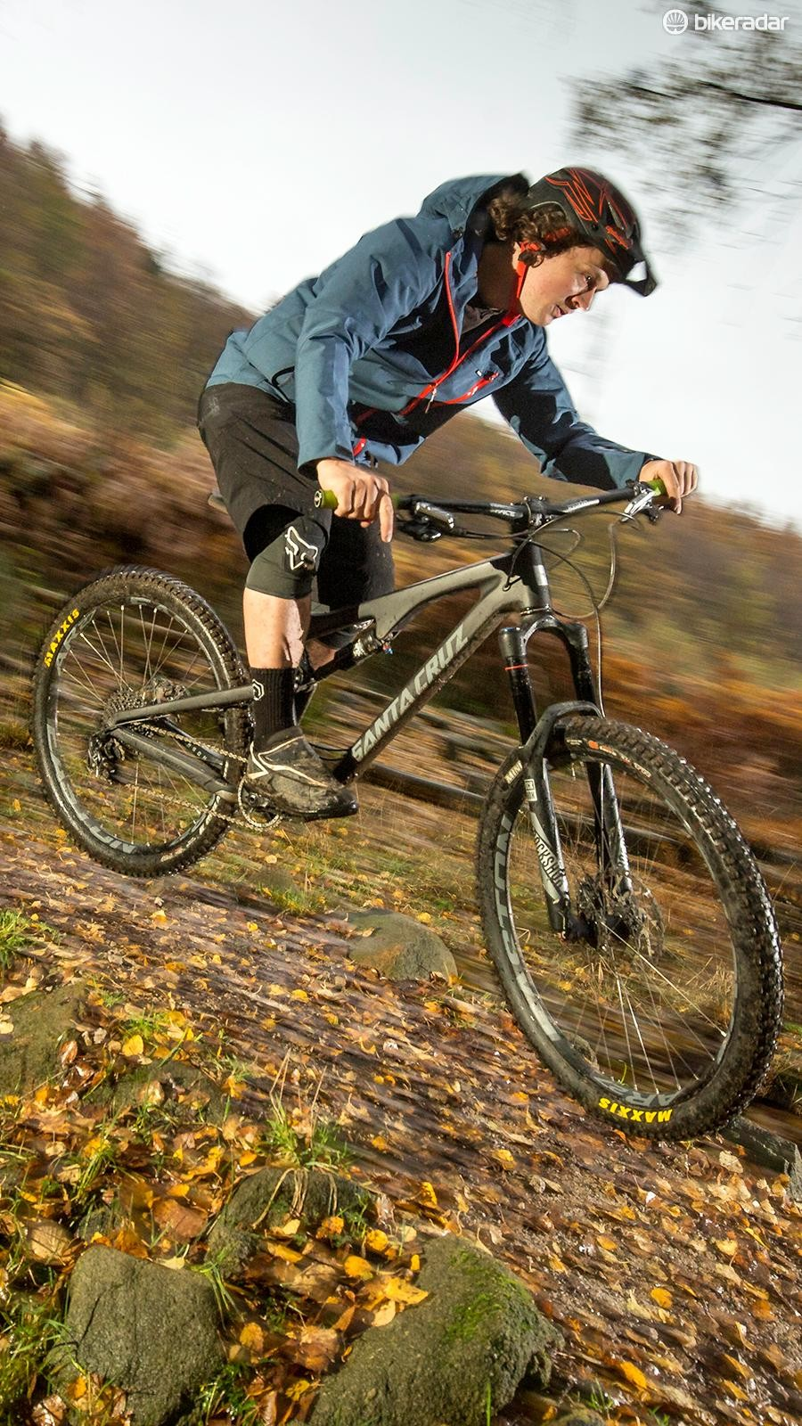 The S AM has all the kit you need to make the most of the Bronson's aggressively dynamic ride, at an impressive price for a premium brand