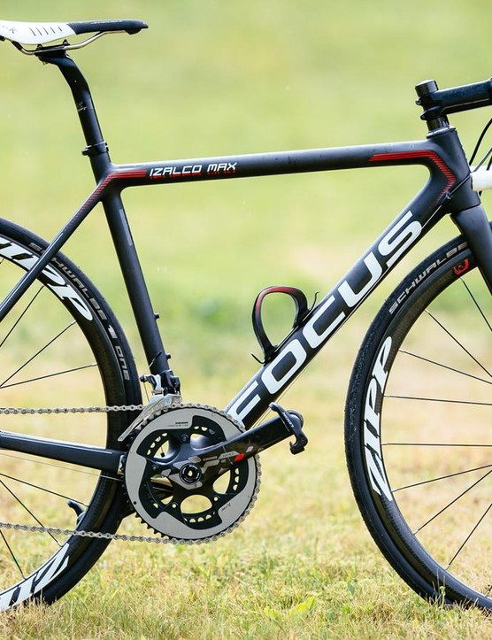 First impressions of Focus's Izalco Disc are of a no-compromises machine that just happens to have disc brakes