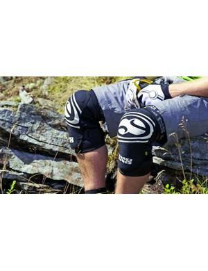 Trail kneepads