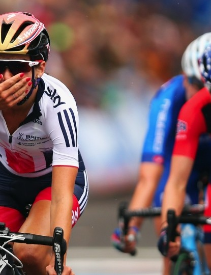Lizzie Armitstead crosses the line in Virginia