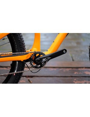 The SRAM GX-1000 rotates on a press-fit bottom bracket and gets a 28t, direct-mount chainring