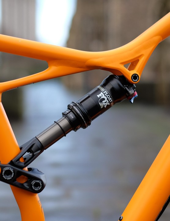 Smooth welds and creative tubes will have a lot of people thinking this is a carbon bike