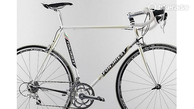 This Fondriest road bike has a traditional geometry frame with a top tube parallel to the floor