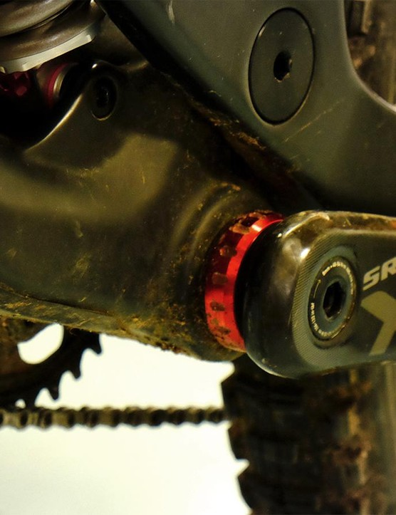 The Wreckoning uses a 73mm threaded bottom bracket