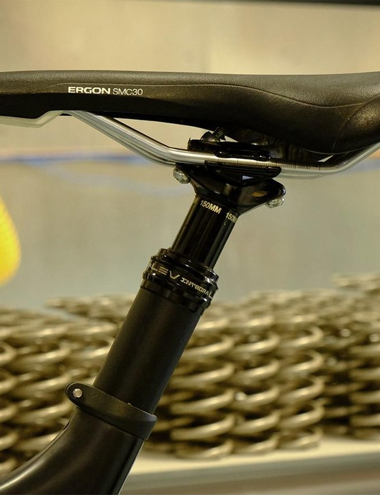 Evil moved to the larger 34.9mm seatpost diameter to increase compatibility with the new generation of 150mm droppers and to bolster frame stiffness