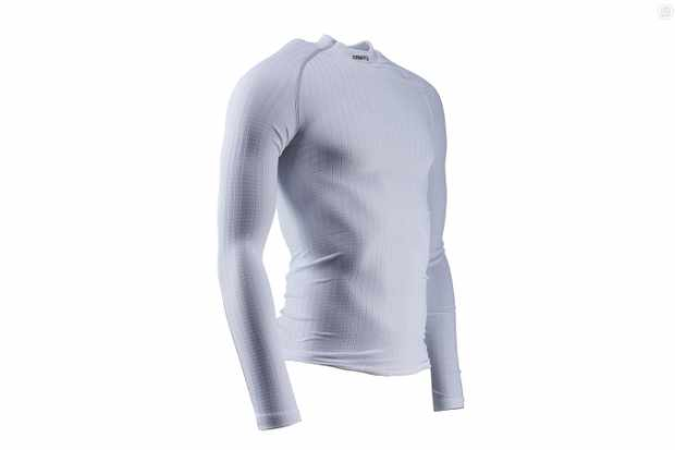 Craft's Active Extreme CN base layer is highly effective for such a light garment