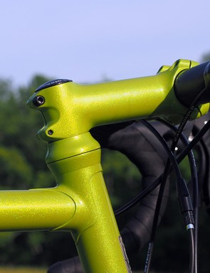 The painted-to-match headset parts and stem make for a neatly integrated appearance
