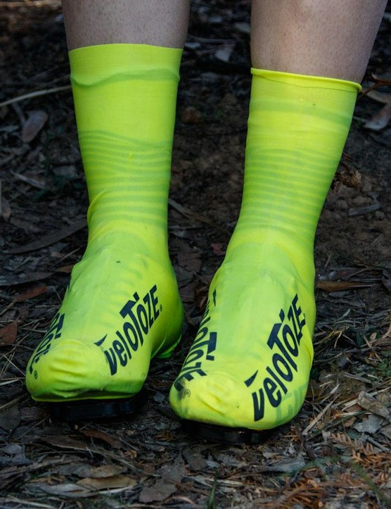 And there you have it, a water- and windproof and (possibly) aero shoe cover