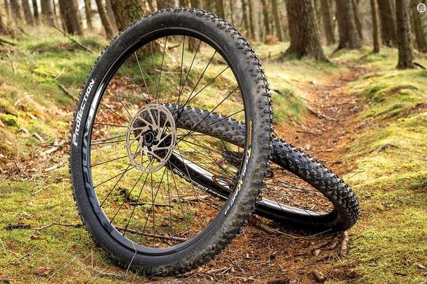 Syncros' XR1.0 Carbon wheels are plenty stiff and go like rockets