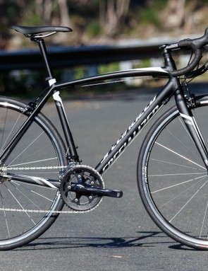 Winning our Editors' Choice award, the 2016 Specialized Allez E5 Sport provides everything we want in an entry-level road bike